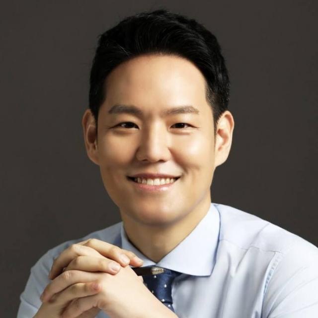 靑 정무비서관에 '40대 정치신인' 김한규 변호사 검토