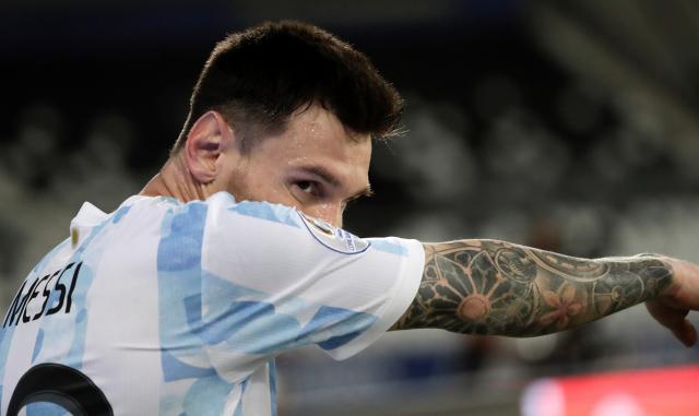 빛바랜 메시의 프리킥 골…아르헨, 칠레와 무승부