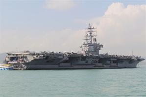 나토 '中 압박' 결의하자마자…美 항모전단 남중국해 진입