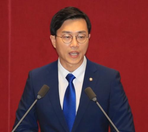 '이준석 체제' 출범에 장경태 '황무지에 만든 오두막…민주당은 A등급 기와집'