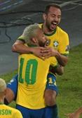 [사진] 브라질, 페루 4대0 대파…코파 아메리카 2연승
