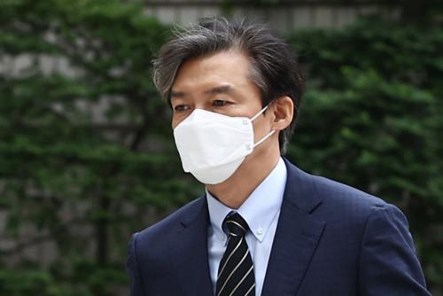 조국 '윤석열·최재형 출마금지법' 주장…'이미 생생한 악례 보고 있다'