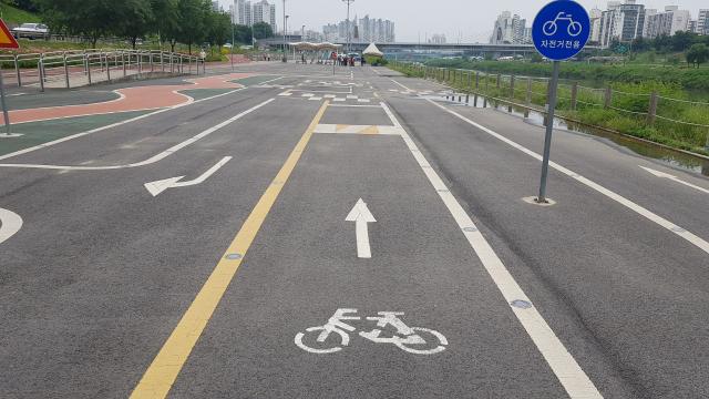 [지구용] '따릉이 요금' 깎아준다…'국내 최초' 자전거 면허시험 코스 직접 타보니