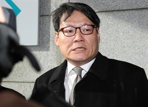 """검찰, 대검에 """"'김학의 사건' 주도 의혹 이광철 비서관 기소"""" 다시 보고"""