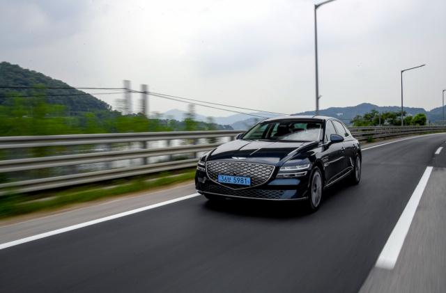 [별별시승]전기차 공식 깨는 '럭셔리함'…제네시스 G80 전동화 모델
