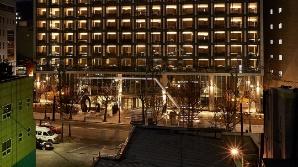 [시그널] 두달새 3개 호텔 철수…'관광 1번지' 명동의 몰락