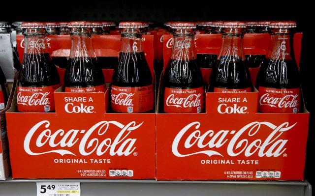 덜 단 제로콜라, 그냥 콜라맛으로... 코카콜라 제조법 바꾼다