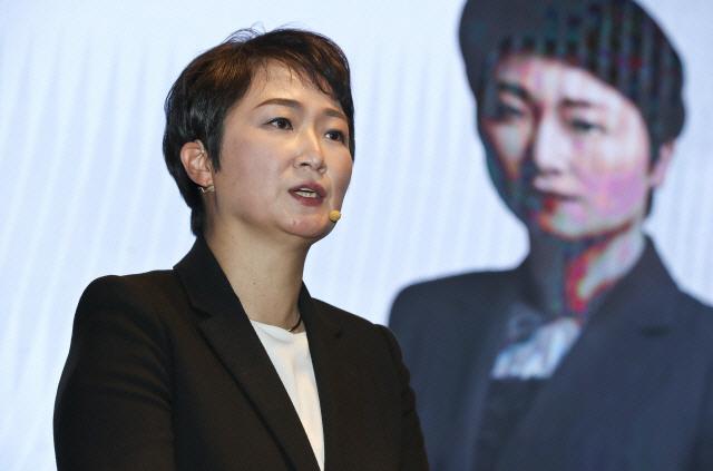 '윤석열, 광주정신 모독' 김두관 맹폭에 이언주 '더러운 입 다물라…전세 냈나'
