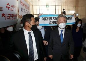 """'백제'발언으로 李·李 격해지는 갈등…""""지역비하 vs""""떡주고 뺨맞아"""""""