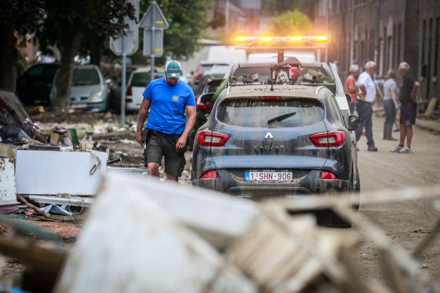 [영상]'홍수에 큰 자동차도 떠내려갔다'…서유럽 또 폭우