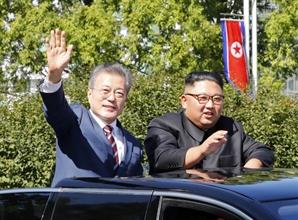 13개월만에 재개된 남북 통신연락선...김정은과 수차례 친서 교환 사실 공개