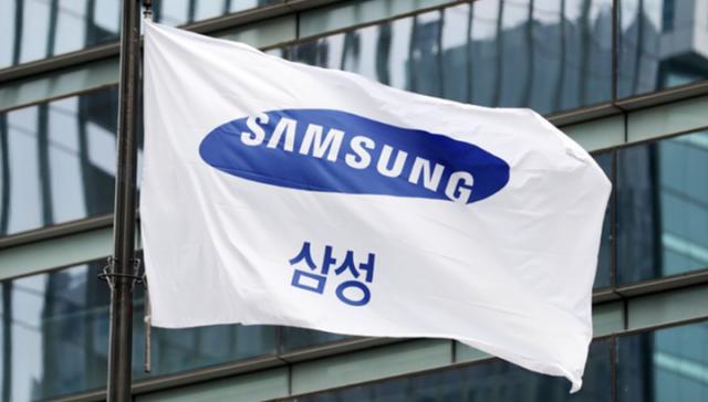 [속보]삼성전자 2분기 영업이익 12조5,667억원…작년 대비 54.3%↑