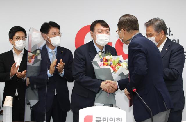 """최재형 """"윤석열 입당 환영…선의의 경쟁 기대"""""""