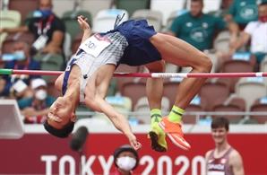 한국 육상 25년 한 푼 우상혁…펜싱은 男 에페 단체전 사상 첫 메달[도쿄 올림픽]
