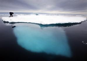 """이상고온에 하루 사이 '85억t' 얼음 녹은 그린란드…""""심각한 상황"""""""