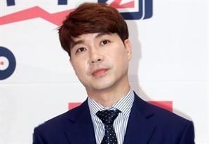 """박수홍, '미우새' 거짓방송 논란에 """"아내와 2년 7개월 만나"""" 해명"""
