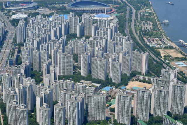 흑석동도 고급 아파트 40억 거래…동작구 기록 경신