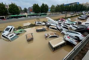 '역대급 폭우' 중국 허난성 사망·실종자 352명…5일만에 다섯배로 늘었다?