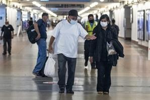 美 하루 평균 7만명 감염…中 우한선 15개월만에 확진