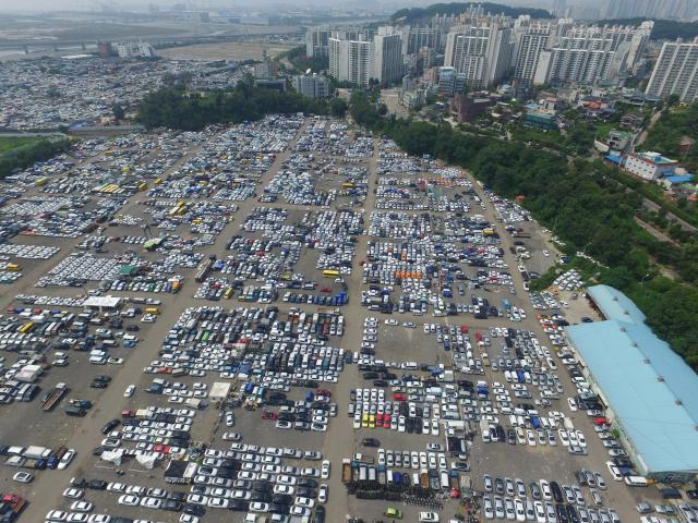 '누적 확진자 75명' 인천 중고차 매매단지 방역 '비상'