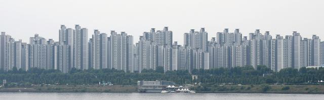 [단독] 집값 폭등에 '억소리'…野, 상속·증여세 15년간 쪼개내는 법안 발의