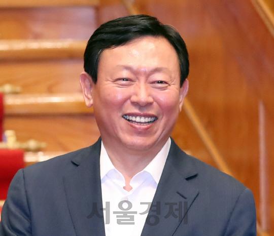 신동빈, IMM 손잡고 한샘 인수전 승리