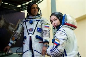 우주로 가는 첫 영화배우…첫 크랭크인 장소는 우주정거장