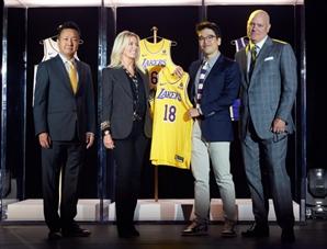 NBA 스타 '비비고' 유니폼 입는다…美 캘리포니아로 날아간 CJ 장남 이선호