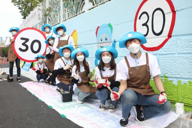 [Car&Fun] 안전교육·탄소중립 실천...벤츠, 7년간 326억원 사회환원