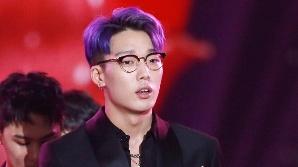 """[공식] YG """"아이콘 바비, 최근 득남했다""""…깜짝 결혼 발표 이어 출산"""