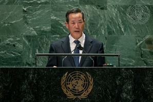 """김성 北 유엔대사 """"美이 한반도 대립 원인… 적대정책 거두면 좋아진다"""""""