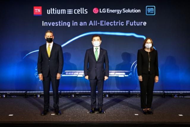 '단군 이래 최대 IPO' LG에너지솔루션, 연내 공모 나설까 [김민석의 IPO브리핑]