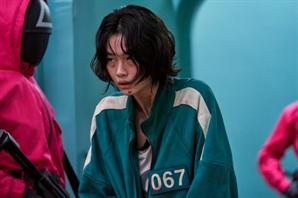 '오징어게임'  전세계 1억 1,100만가구 봤다…넷플릭스 역대 1위