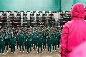 """'오징어게임' 인기에…北 """"남한 자본주의 끔찍한 민낯"""" 비난"""