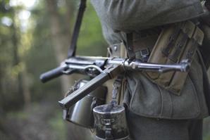 """""""1,000원 달라"""" 카메룬 헌병이 쏜 총에 5살 여아 숨져"""