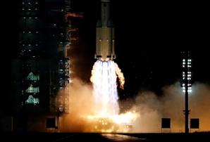 '우주굴기' 가속화하는 中...유인우주선 '선저우 13'호 발사