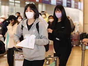 결국 쫓기듯 한국 떠난 이재영·이다영…사과 한마디 없었다