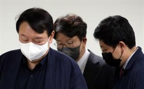 """'전두환 발언' 압박에…尹 """"비판 겸허히 수용"""""""