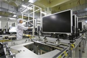 코로나 특수 사라지면서 LCD TV패널 가격 30% 급락