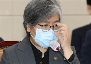 """[단독] 질병청 """"백신 부작용 지원예산 전액 삭감했다"""""""